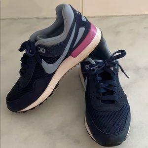 Nike Air Pegasus size 7- womens
